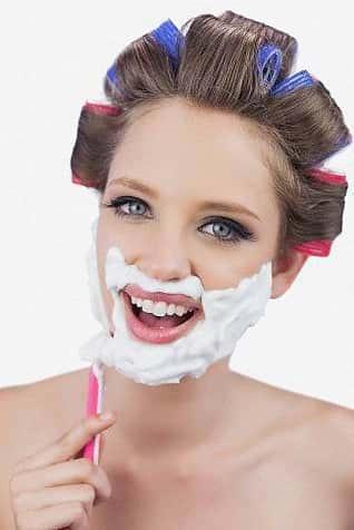 El Afeitado Facial Femenino, ¿Está De Moda?